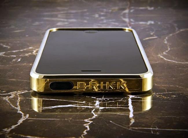 op-lung-titanium-case-from-brikk